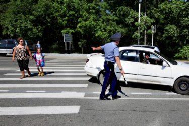 Штрафы ГИБДД за непропуск пешехода